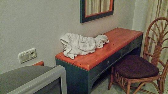 Sirenis Punta Cana Resort Casino & Aquagames : Justo al llegar, toallas sucias de bienvenida.