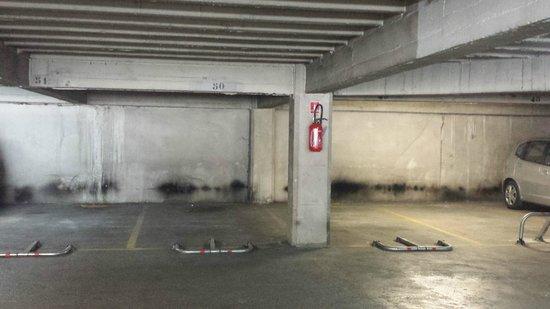 Hôtel Castellane : Garage