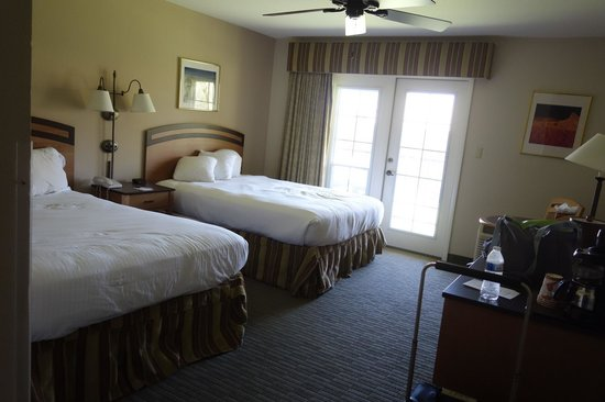 Furnace Creek Inn and Ranch Resort: our huge room with 2 queen beds