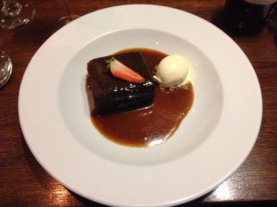The Sun Inn: Sticky toffee pudding