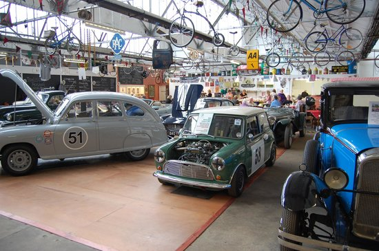 The Carding Shed: Good food and classic cars