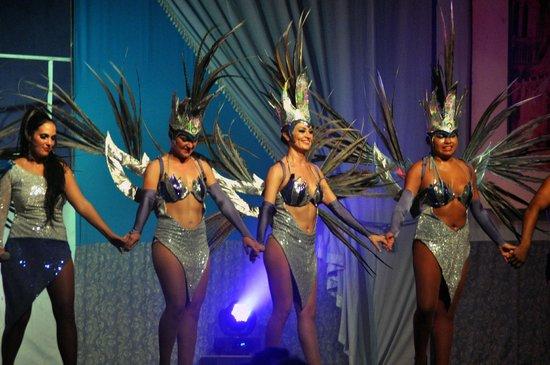 Viva Wyndham Maya: More entertainment
