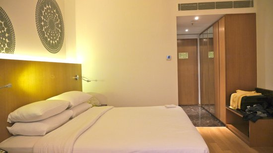 The Gateway Hotel IT Expressway Chennai: Spacious bedroom