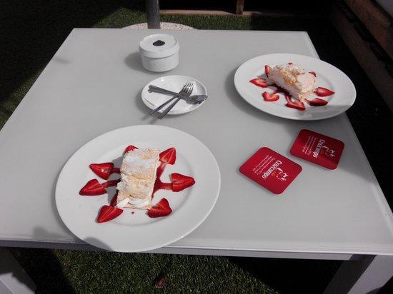 Hotel Sa Roqueta : Gâteau Cardinal :-)