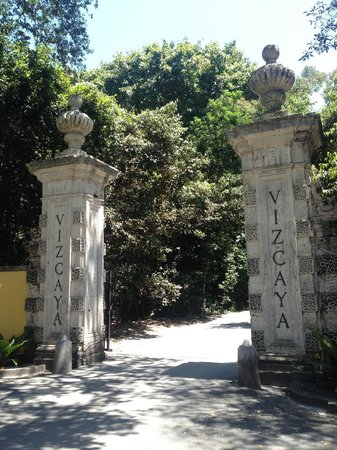 Vizcaya Museum and Gardens : Front gate
