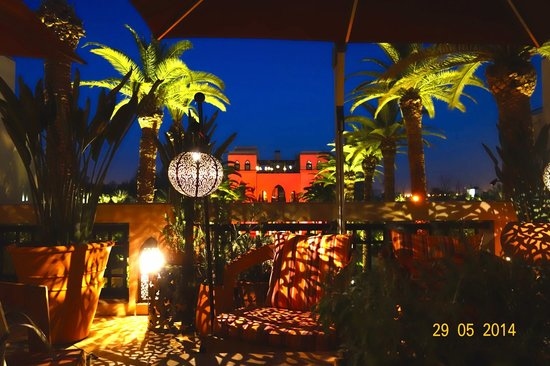 Four Seasons Resort Marrakech : View from the Lobby Bar at night