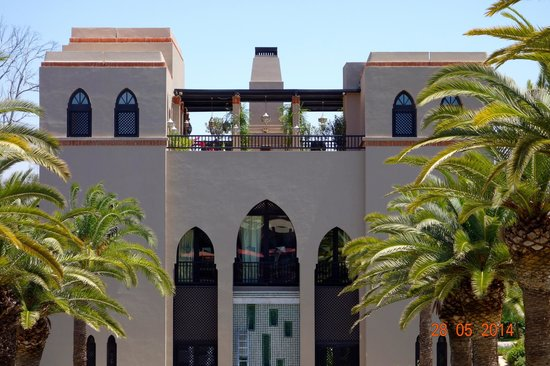 Four Seasons Resort Marrakech: The Sky Bar from the Lobby Bar