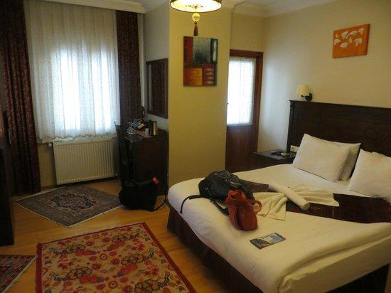 Berce Hotel: Bedroom