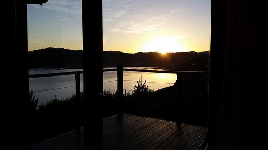 Elephant Hide of Knysna Guest Lodge: Sunset from the balcony