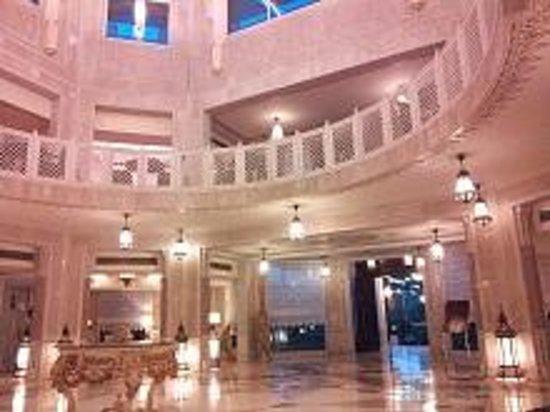 Orient Taj : エントランスホール