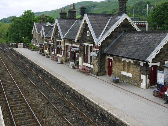 Settle Carlisle Railway: Settle Station