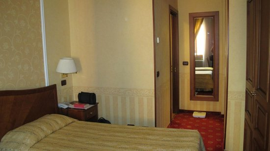 Lancaster Hotel: interior view