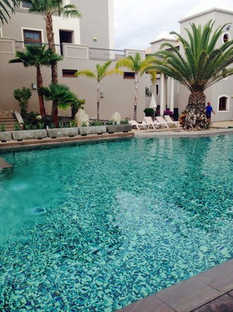 Marylanza Suites & Spa: One of the three pools