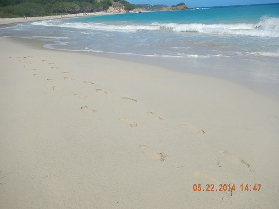 Adventure Antigua: Super soft sand of Rendezvous Bay