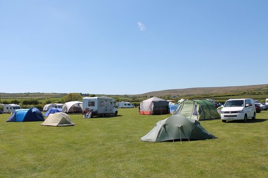 Kennexstone Camping and Touring Park: Busy Summers Day