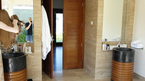 Pullman Danang Beach Resort : bathroom