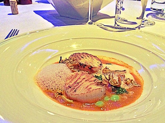 The Reflexions at Plaza Athenee Bangkok: Seared scallop with lobster bisque foam?