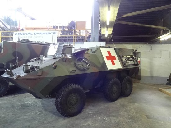 Swiss Military Museum Full: Medical tank