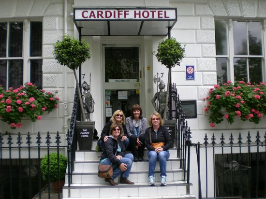 Cardiff Hotel: stay in May