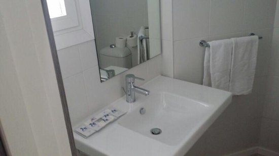 FERGUS Bermudas : Bathroom