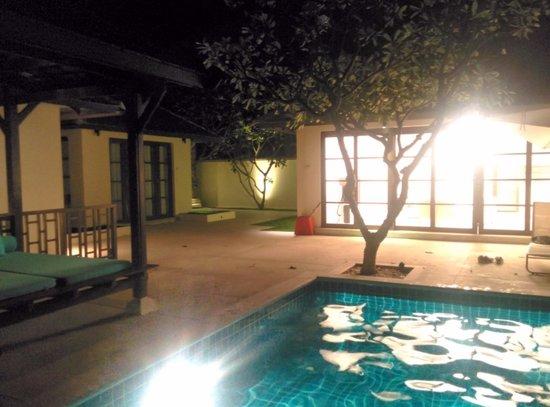 Kanda Residences: Nighttime in Villa 14