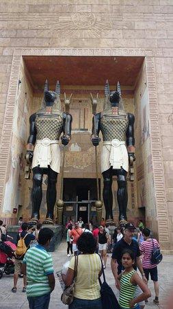 Universal Studios Singapore: Entrance to the Mummy ride