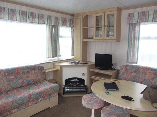 Whitehill Country Park: Clean and cosy caravan