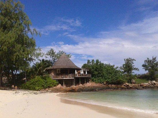 Constance Lemuria: Beach Restaurant