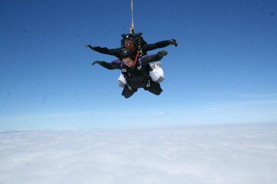 Skydive Hinton: Freefall
