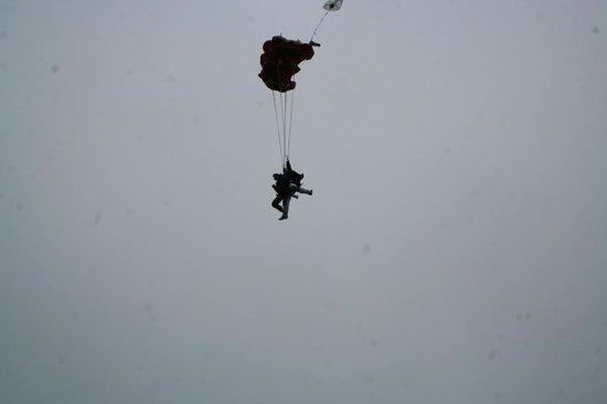 Skydive Hinton: Parachute opening