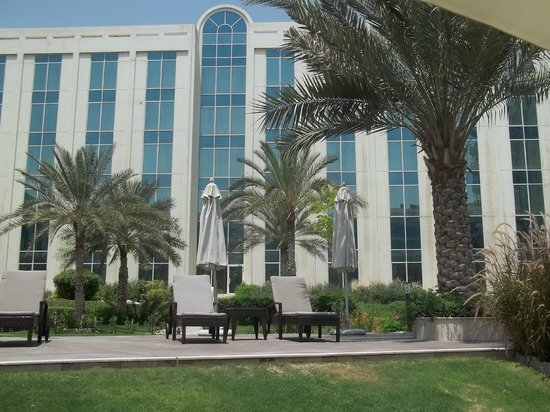 Copthorne Airport Hotel Dubai: View from the pool