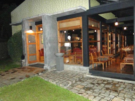 Melheim Resort : Lobby and Dining