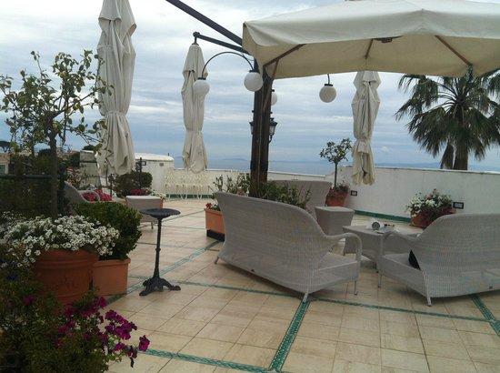 Hotel Excelsior Parco : terraço