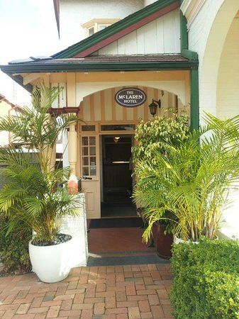 McLaren Hotel: Reception