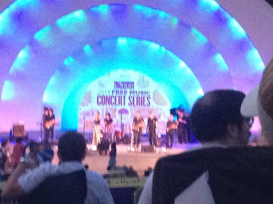 Levitt Shell: Ester Rada performing