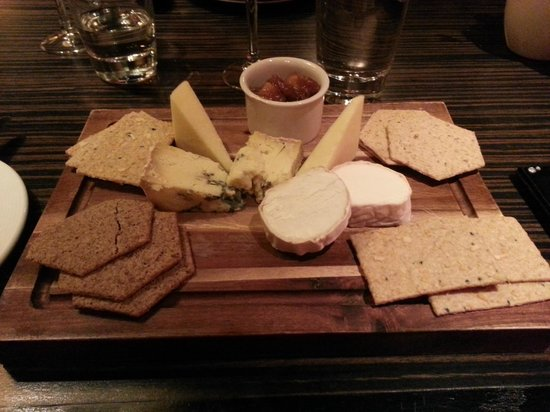 The Grill at Flemings Mayfair: Cheese board - biscuits are too strongly flavoured