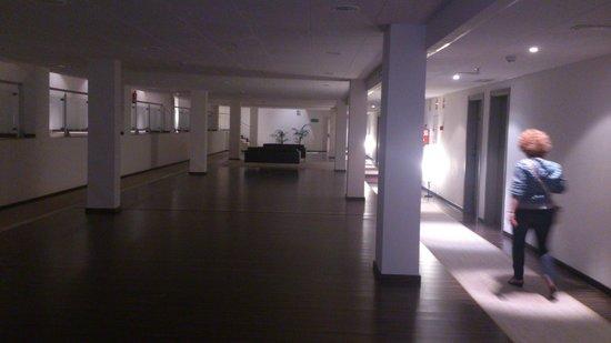 Hotel Balneario De Lanjaron: Pasillo asceso ascensor a planta 6ª
