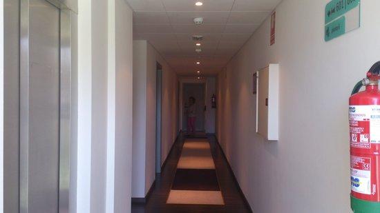 Hotel Balneario de Lanjaron: Pasillo d ascensor a hab