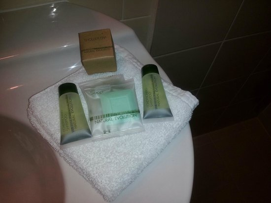 McLaren Hotel: Bathroom supplies