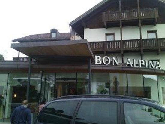 Bon Alpina : front view of hotel