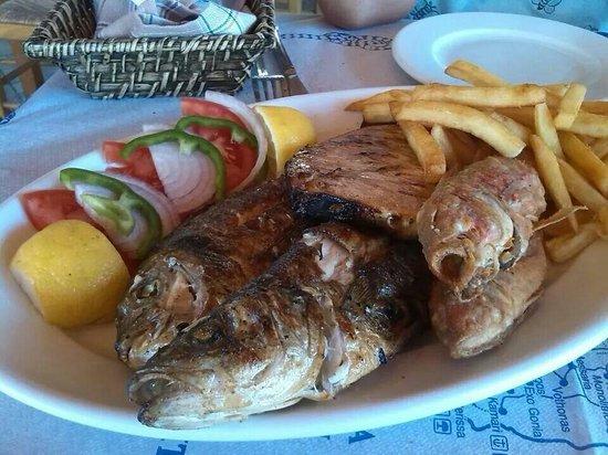 The Volcano Restaurant-Taverna: Grigliata di pesce