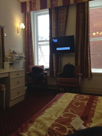 Chadwick Hotel & Leisure Centre: room