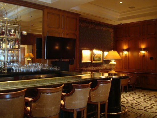 The Peninsula Beverly Hills: Hotel bar