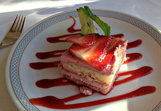 Wyndham Garden Bad Malente Dieksee: dessert - et lille stykke jordbær-tiramisu