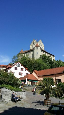 Burg Meersburg Castle : castle on top of the hill