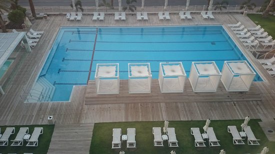 Isrotel Ganim: pool area