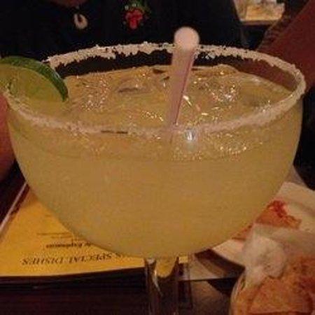 Ritos Mexican Restaraunt : El Grande Margarita!