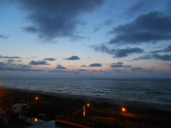Courtyard by Marriott Carolina Beach : Dawn