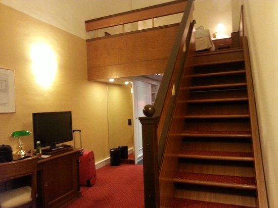 Austria Trend Hotel Schloss Wilhelminenberg Wien : второй уровень нашего номера