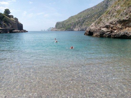 Villaggio Resort Nettuno : Wunderschöne Bucht, vom Campingplatz zu erwandern